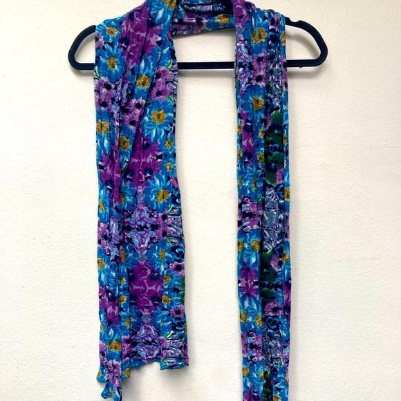 Kewl tone multicolored scarf